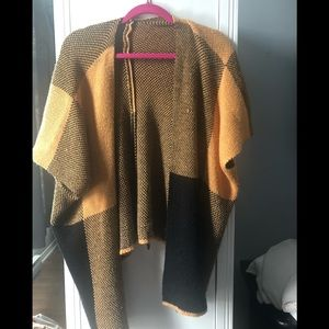 Knitted cape cardigan vest